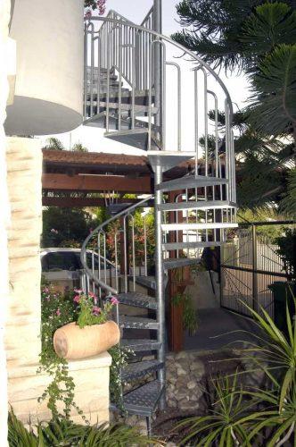 לוליני בוקסה חלקה / מדרגות חיצוניות
