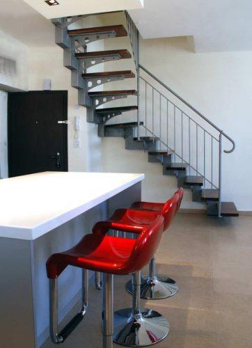 מדרגות צפות דגם אילן בעיצוב אישי
