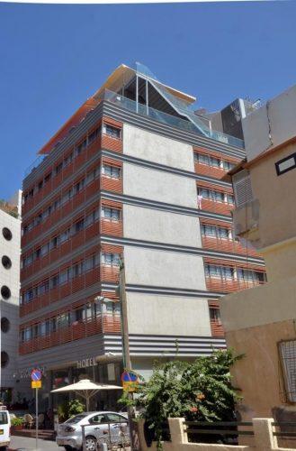 מדרגות חירום למלון / דגם הייטק מקבילים