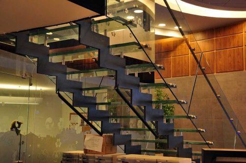 דגם הייטק דק / מדרגת זכוכית / מדרגות לחלל ציבורי