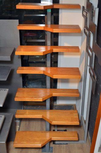 מדרגות סמבה / לפתחים קטנים
