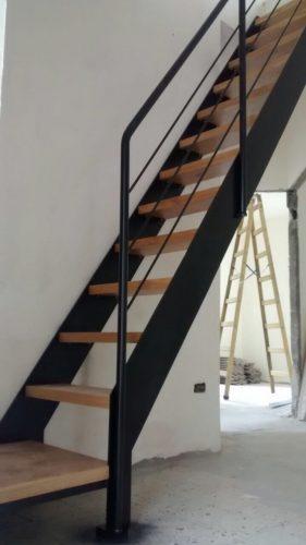 דגפ סיפון / מדרגות לפתח קטן במיוחד
