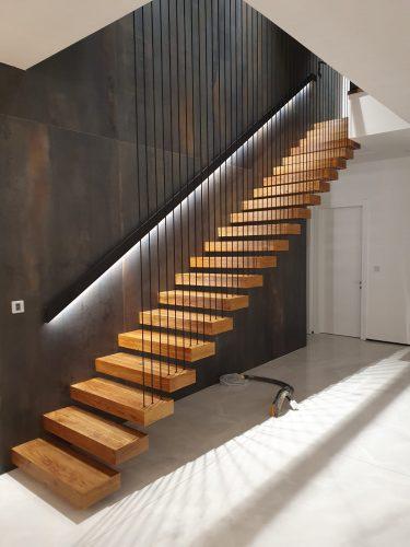 מדרגות מרחפות / מעקה כבלים