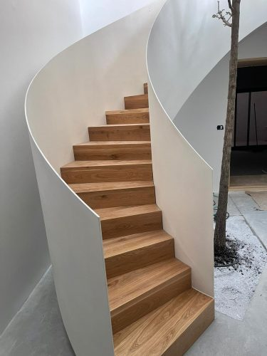 מדרגות סיבוביות / דגם מלודי