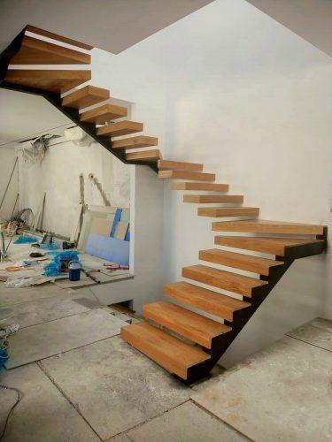 מדרגות מרחפות דגם כרמי חלק